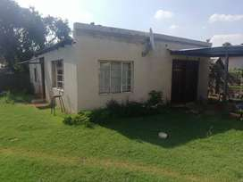 2 bedroom Cottage to rent in olifansfontein east