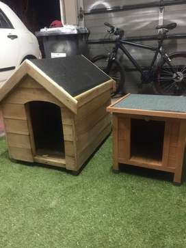 2 x dog kennels as new