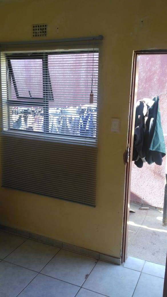 Stunning Outside Room to rent in Protea Glen, ext 11, SOWETO 0