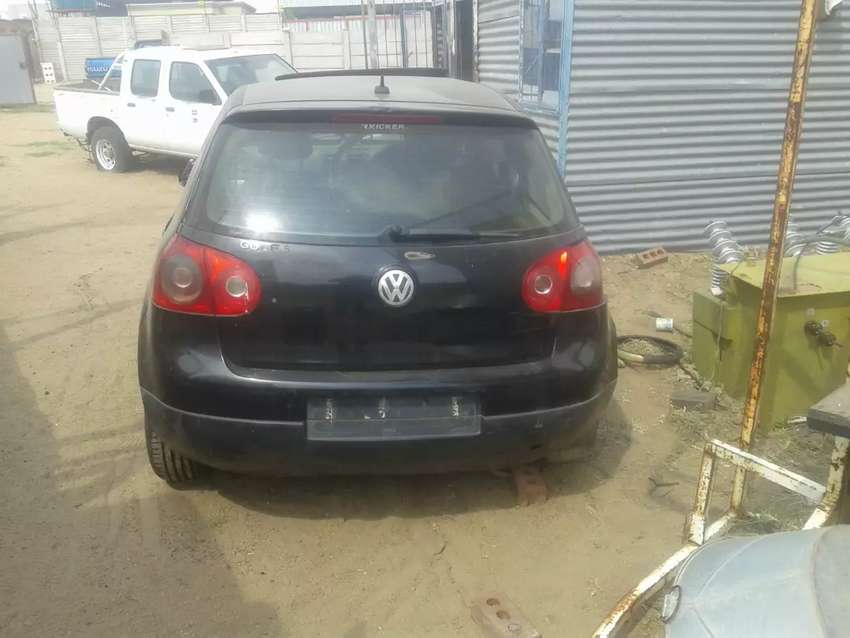 Golf 5 back portion, front and rear suspensions,rear glasses, sunroof 0