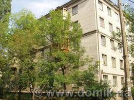"Продам двухкомнатную квартиру ""сталинку"" у метро"