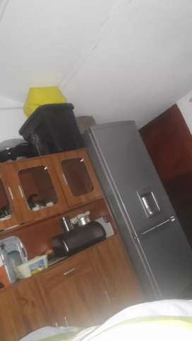 a room availaible to share in rugby milnerton