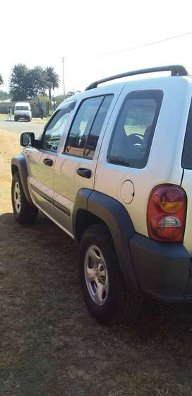 Jeep cherokee limited 2.8 still in good condition all papers in ordee