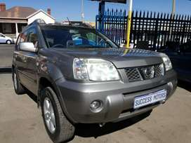 2006 Nissan X trail with a sunroof
