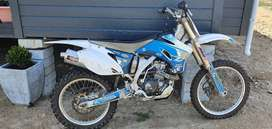 250 Yamaha Off-road bike