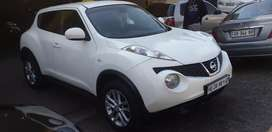 NISSAN JUKE 1.6 SUV 2014 model in very good condition