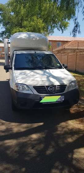 Nissan NP200 Nosecone canopy