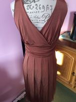 Sukienka bezowa Bialcon