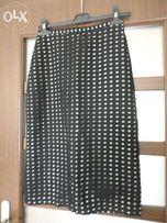 Elegancka wąska spódnica czarna w kratkę rozmiar 36