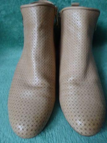 Caprice walking on air botki r.39 wkładka 25,3 cm buty obuwie kozaki Poznań - image 1