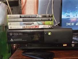 Xbox 360 with remote and 4 games