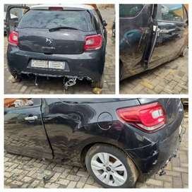 Stripping Citroen DS3 Car Spare Parts