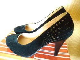 Туфли на каблуках НОВЫЕ