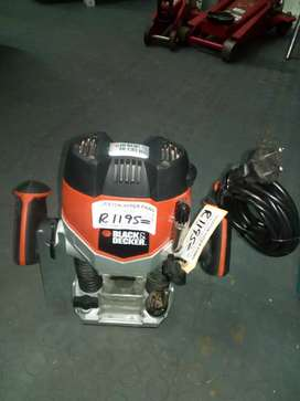 Black and Decker 1200w Router 37Feb21