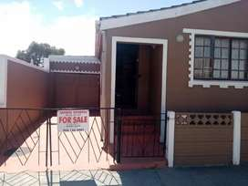 House for sale in Portlands Mitchell's plain JAYBEE ESTATES