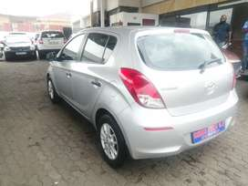 2014 Hyundai i20 1.4 engine capacity hatchback.
