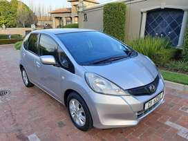 ONLY 147 000 kms!! 2012 Honda Jazz 1.3 I-VTEC manual