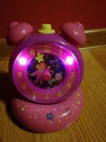 Zegar Dora zmienia tarcze