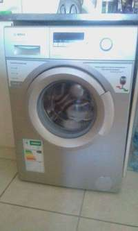 "Image of Washing Machine ""Bosch"" (Front Loader - Automatic)"