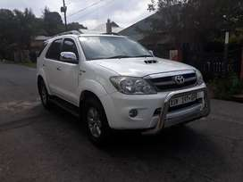 Toyota fortuner 3.0 D4D diesel engine manual transmission