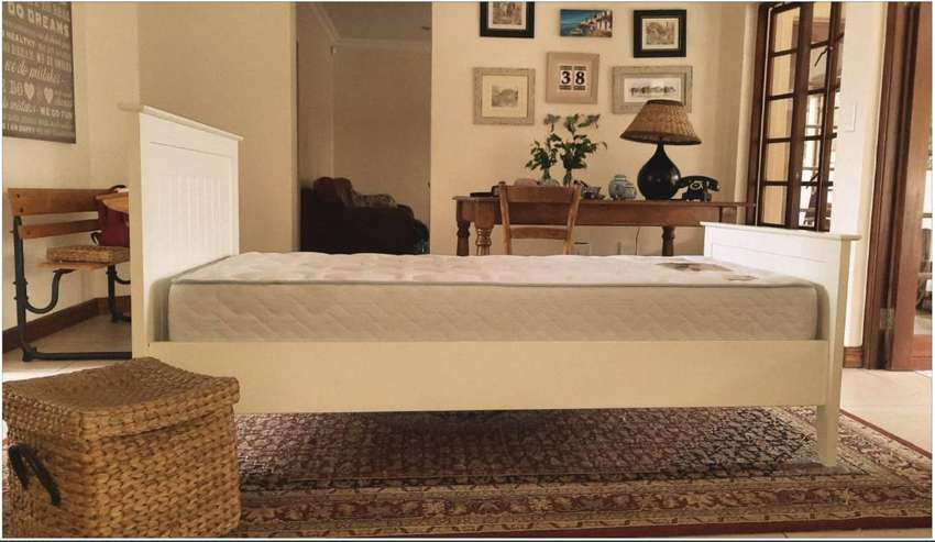 Single bed with mattress 0