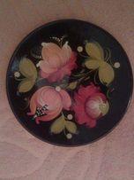 Тарелка декоративная с подлаковой росписью под хохлому