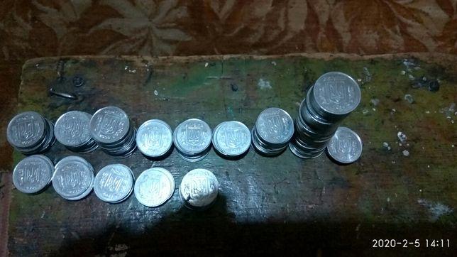 Продам калекцию монет 5 и 25 и50 и 10 копеек