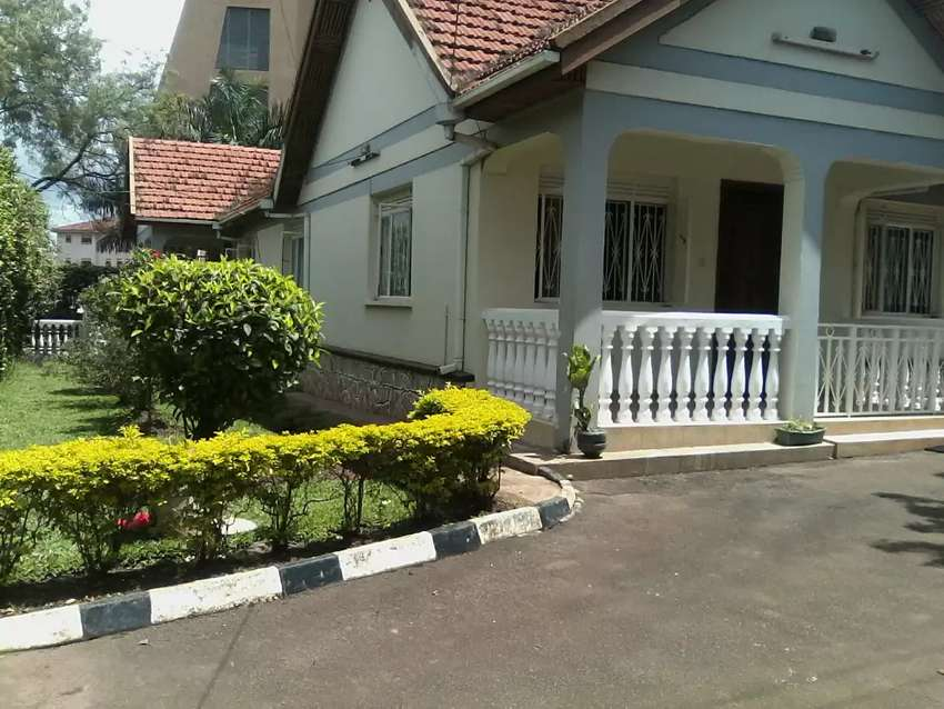 FULLY FURNISHED 3 BEDROOMS, Sitting Dinning Kitchen 3 Houses in Gate 0