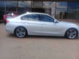 BMW 320i Sport 2013 model for sale