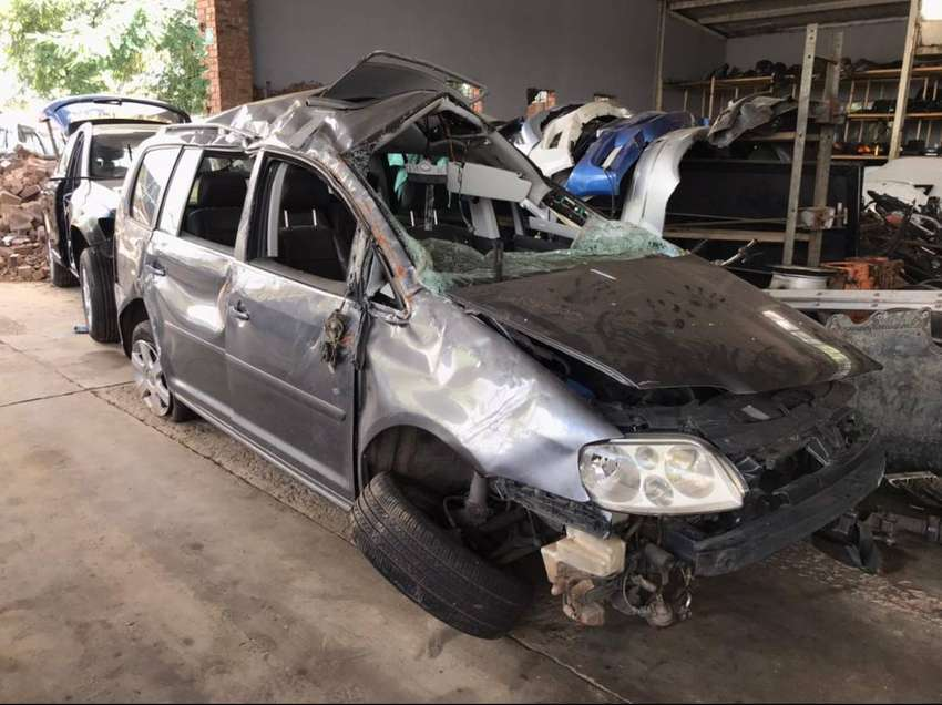 Volkswagen Touran 2.0 TDI BKD Manual Stripping for Used Spares 0
