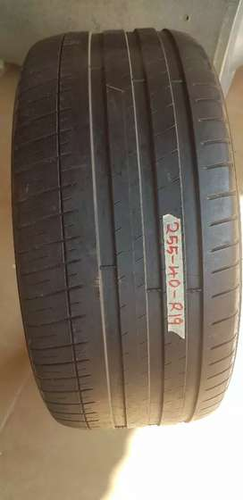Tyre size 255/40/R19