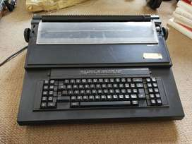 Black electronic typewriter(vintage)