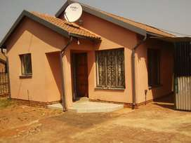 House to Rent in Philp Nel for R5000
