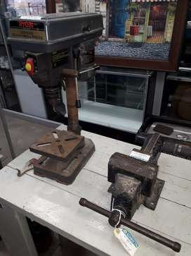 Ryobi bench drill press R950 and big vice R1450