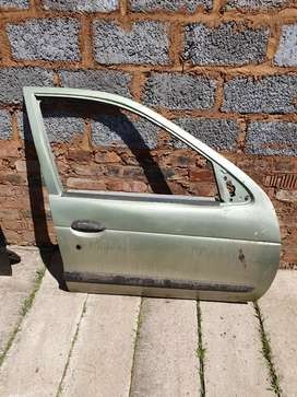 Renault magane 1 front right door shell