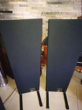 Magnepan MMG, High end electrostatic speakers