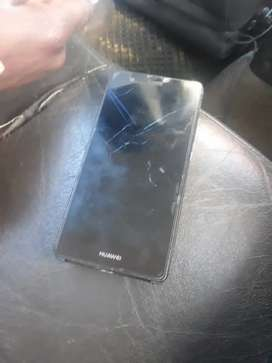 I'm selling  my iPhone it's working 100% he got a crack