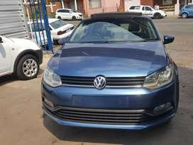 2015 Volkswagen polo 6 Tsi with sunroof