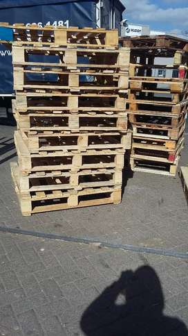 Pallet we make and sell and delivery