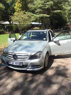 Am selling my Mercedes Benz year 2011 w204 in mint condition