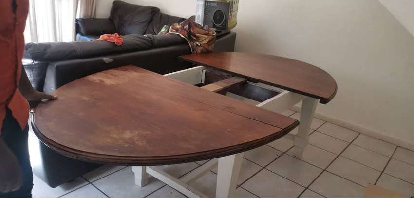 Antique dining table 0