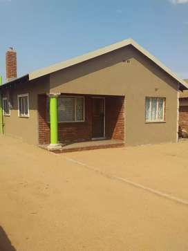 House for rental lebowakgomo zone F For business purpose