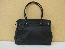 Вместительная женская черная сумка для офиса