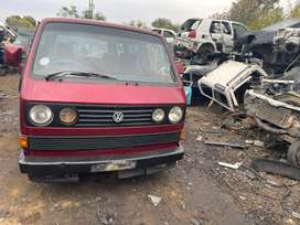 VW MICROBUS 2.6i -STRIPPING FOR SPARES