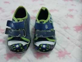 Toddlers takkies preloved