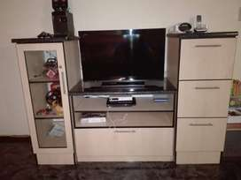 Sony TV 1080p and TV Trolley