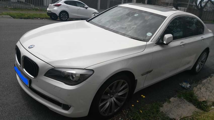 2010 BMW 7 Series Sedan (NEG) 0