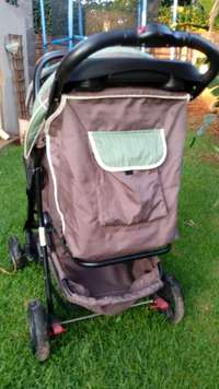 Image of 123 Pram/Traveller system with car seat for sale