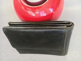 Piękny portfel skórzany ciemnozielony