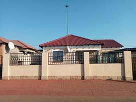 House To Let in Chiawelo Ext 1